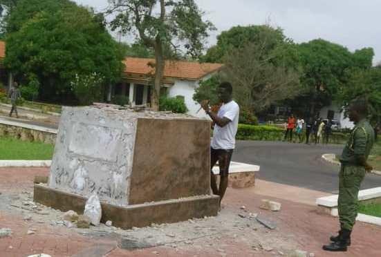 University of Ghana Pulls Down Mahatma Gandhi's Statue On Campus