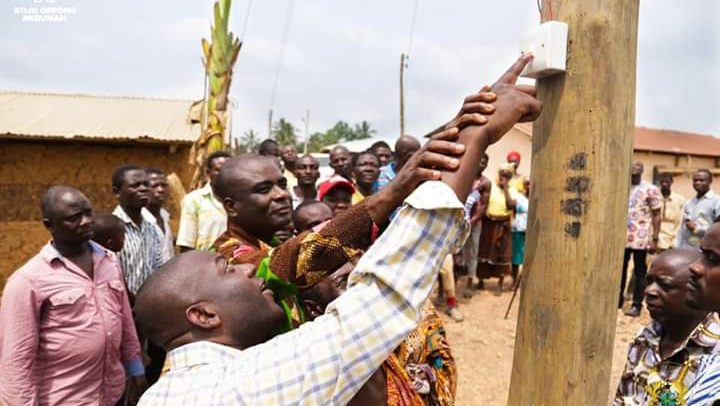 32 Communities In E/R Get Electricity