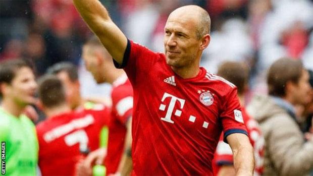 5feac77f6 Bayern Winger Arjen Robben To Retire In Summer