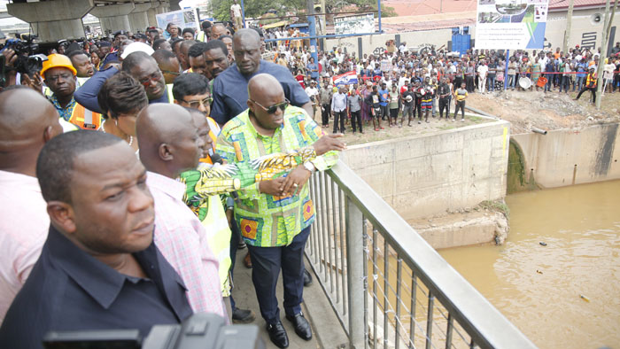 President Inspects Odaw Dredging