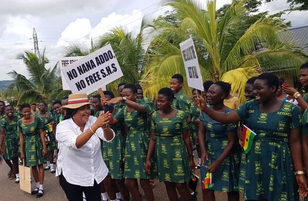 Actress Starts Free SHS Protection Campaign