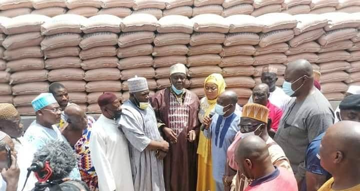 Veep Supports Asokore – Zongo Community With 1,100 Bags Of Cement