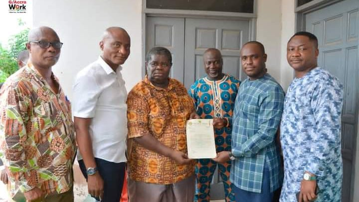 Minister Donates GHS 1500 of His Salary To Psalm Adjeteyfio
