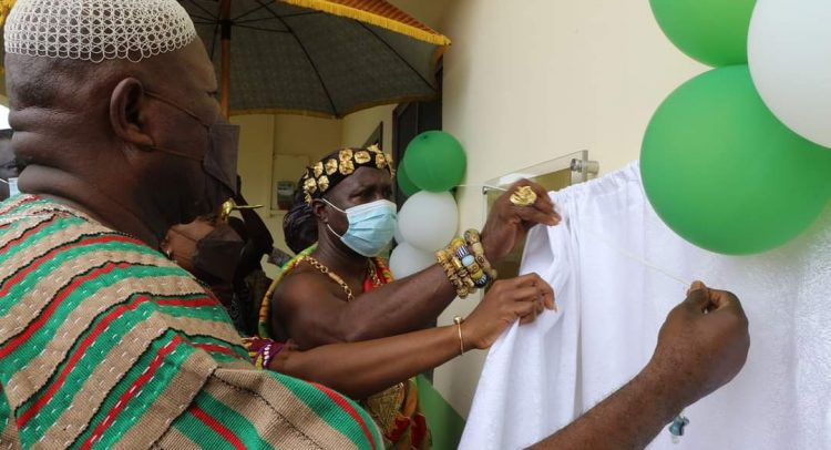 Health Minister Commissions Akyem Mampong, Ahankrasu  CHPS Compounds